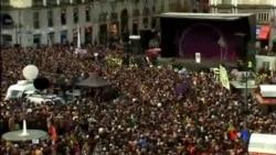 2015-02-01 美國之音視頻新聞: 西班牙民眾集會支持反緊縮政黨