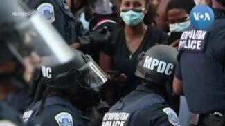 Mỹ: Cảnh sát quỳ gối bày tỏ đoàn kết với người biểu tình
