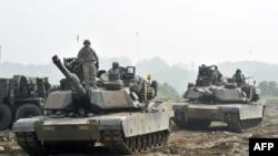 주한미군 제2보병사단 기갑부대가 지난 2013년 5월 연천에서 열린 한미합동도강훈련에 참가했다.
