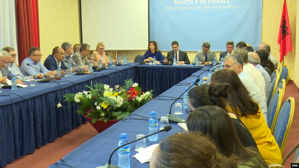 Shqipëri: Vështirësitë e bujqësisë, bizneset kërkesa qeverisë