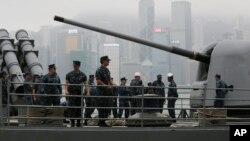 11月12日﹐美國喬治.華盛頓號航空母艦離開香港前往菲律賓參與風後救災工作。