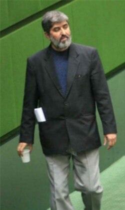 علی مطهری بعد از توصیه وزارت اطلاعات اعلام کرد سوال از احمدی نژاد را پیگیری نمی کند