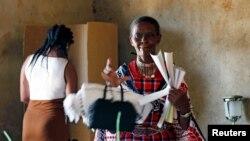En images : les Kényans aux urnes