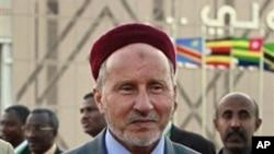 ທ່ານ Mustafa Abdel-Jalil, ອະດີດລັດຖະມຸນຕີຍຸຕິທໍາຂອງລີເບຍ (ຮູບຖາຍເມື່ອວັນທີ 23 ກຸມພາ 2011)