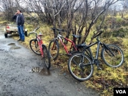 Because Russian law bans foot traffic at the border, and Norway fines drivers for carrying migrants across, smugglers sell bicycles to migrants who want to cross into Norway.