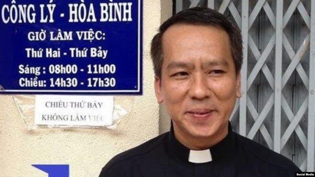 Linh mục Nguyễn Duy Tân, Ảnh Facebook Tân Nguyễn