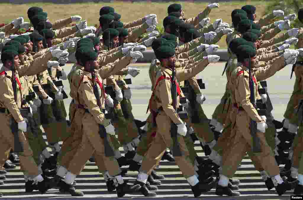 Pakistani soldiers march during the Pakistan Day parade in Islamabad, March 23, 2015.