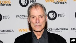 "FILE - In this Feb, 1, 2010 file photo, journalist Bob Simon attends the premiere screening of ""Faces of America With Dr. Henry Louis Gates Jr."" at Jazz at Lincoln Center in New York."