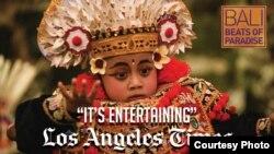 "Kutipan ulasan film ""Bali Beats of Paradise"" di surat kabar Los Angeles Times (dok: Livi Zheng)"