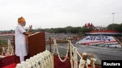 د هندوستان وزیراعظم نرندره مودي د هندوستان د انتظام دلاندې کشمیر خصوصي حېثیت ختم کړی دی
