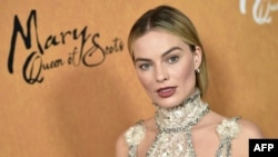Aktris Australia Margot Robbie menghadiri pemutaran perdana 'Mary Queen of Scots' di Paris Theater, di New York, 4 Desember 2018. (Foto: AFP)