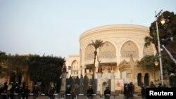 埃及防暴警察在总统府前站岗