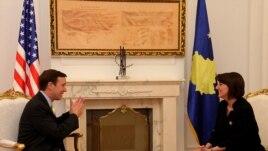 Senatori amerikan Chris Murphy në Prishtinë