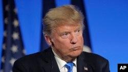 """Durante una conferencia de prensa conjunta en París con el presidente de Francia Emmanuel Macron, el presidente de EE.UU. Donald Trump dijo que """"la mayor parte de la gente hubiera aceptado la reunión""""."""