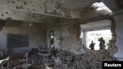 دہشت گردوں کی طرف سے تباہ کیا جانے والا ایک اسکول