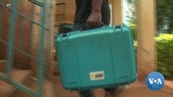 Solar-powered Suitcases Bring Light to Darkened Classrooms
