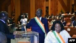 Jeannot Ahoussou-Kouadio, élu premier président du nouveau Sénat, à Yamoussoukro, Côte d'Ivoire, 5 avril 2018.