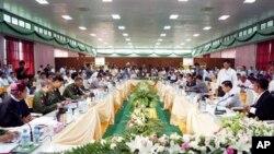 缅甸政府和克钦族代表在克钦邦举行停火谈判