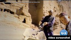 """Salah satu adegan dalam film dokumenter besutan Phil Grabsky """"My Childhood, My Country: 20 Years in Afghanistan"""" (VOA)"""
