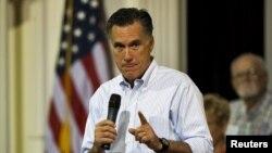 Mitt Romney inició este viernes una gira por los estados de Nuevo Hampshire, Pensilvania, Ohio, Wisconsin, Michigan y Iowa, en los que Obama obtuvo mayor votación en 2008.