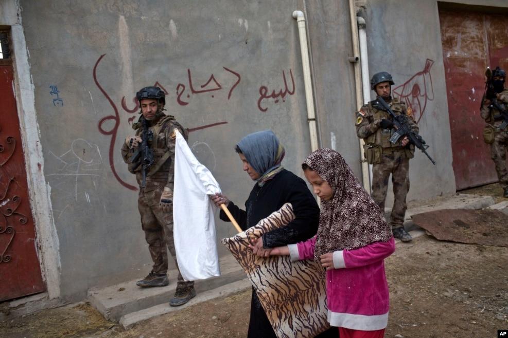 İraq - İraqın xüsusi təyinatlı qüvvələri Mosul yaxınlığında