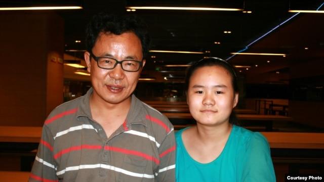 张林和女儿张安妮(瑞洁提供)