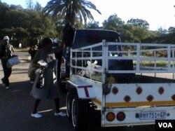 Kulokuxokozela okumangalisayo eBetbridge Border Post.