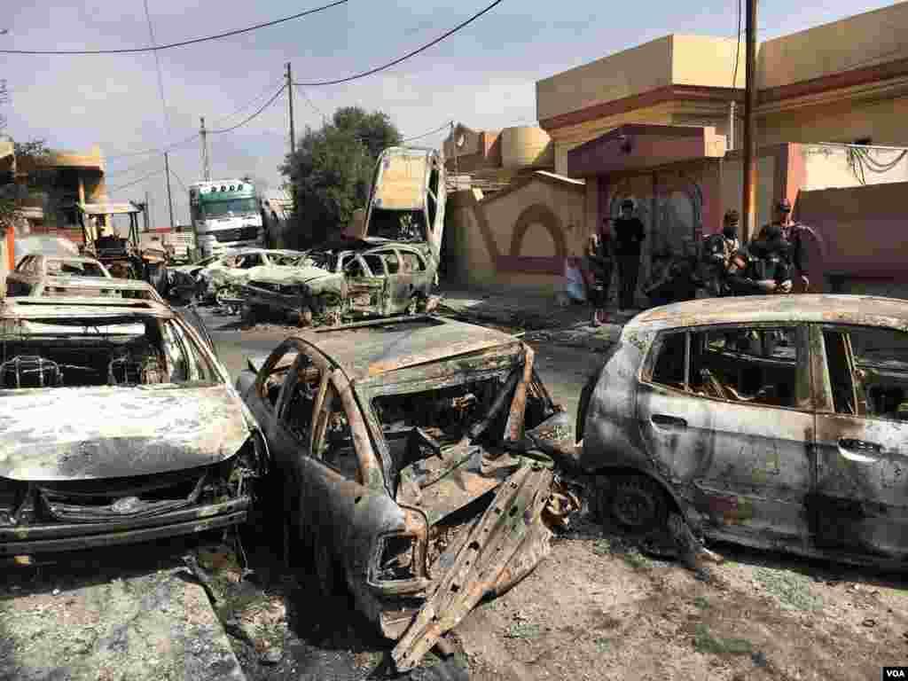 İŞİD-in yandırdığı maşınlar. Simud.