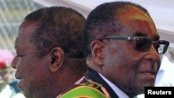 Mutungamiri wehurumende, VaMorgan Tsvangirai (L) Mutungamiri wenyika, VaRobert Mugabe (R)