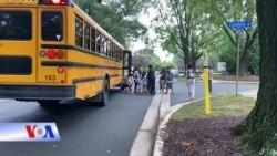 Học sinh tại Mỹ quay lại học đường, phụ huynh vừa mừng vừa lo