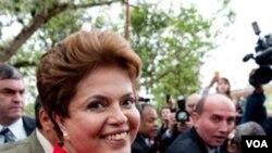 Dilma Rousseff criticó lo que consideró como prácticas medievales de Irán contra las mujeres.