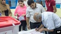 دومین دور انتخابات تونس پس از قیام ۲۰۱۱ علیه حکومت العبادی