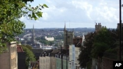 Mudaaharaad ka Dhacay Bristol