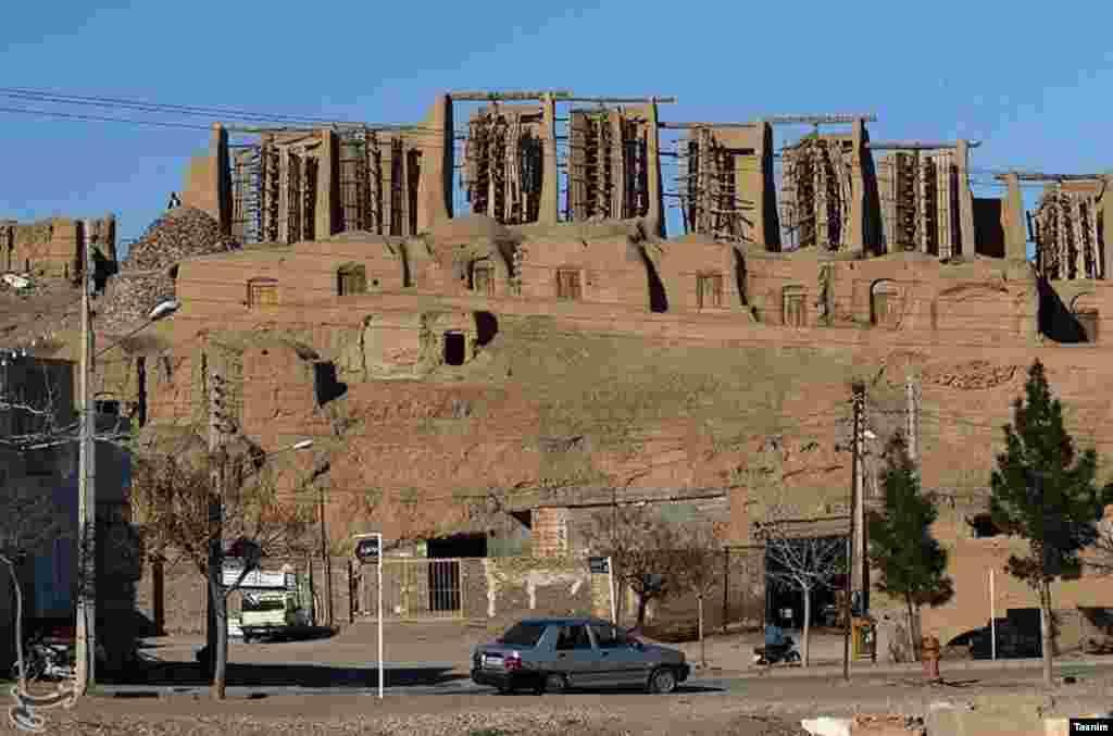 آسیاب های نشتیفان شهرستان خواف، بزرگترین و قدیمی ترین مجموعه آسبادها بادی عمودمحور جهان هستند عکس: محمدحسین طاقی