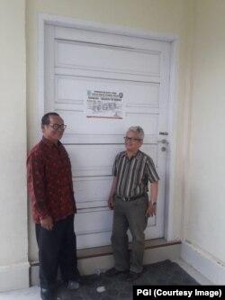 Perwakilan tim kuasa hukum PGI Johny Nelson Simanjuntak di depan Gereja Methodist Indonesia (GMI) di Kelurahan Kenali Barat, Kecamatan Alam Barajo, Kota Jambi, 29 September 2018. (Foto: PGI)