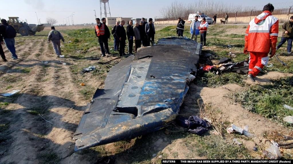 Mảnh vở của chiếc máy bay Boeing 737-800 của Ukraine International Airlines, chuyến bay PS752, bị phi đạn Iran bắn rớt ngày 8/1/2020.