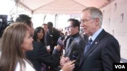 El Equipo de Iniciativas Hispanas cuenta con unos 40 miembros entre ellos el senador Harry Reid.
