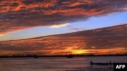 Một chiếc thuyền trên sông Mekong.