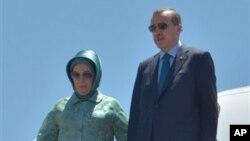 Thủ Tướng Thổ Nhĩ Kỳ và phu nhân Emine Erdogan.