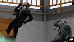 서울에서 열린 화생방 대테러 시범훈련 (자료사진)
