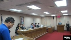 台湾立法院外交及国防委员会10月27号质询的情形(美国之音张永泰拍摄)