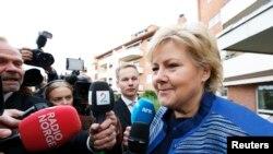 Le chef du parti conservateur norvégien Erna Solberg devant la presse à Oslo, le 10 eptembre, 2013.