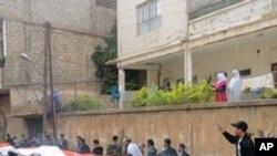 Manifestantes em Zabadani, perto de Damascus, April 22, 2011