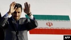 Ahmedinejad'ın Güney Amerika Ziyareti Tartışılıyor