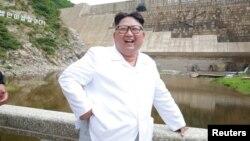 Kim Džong Un u poseti jednoj od elektrana u Severnoj Koreji