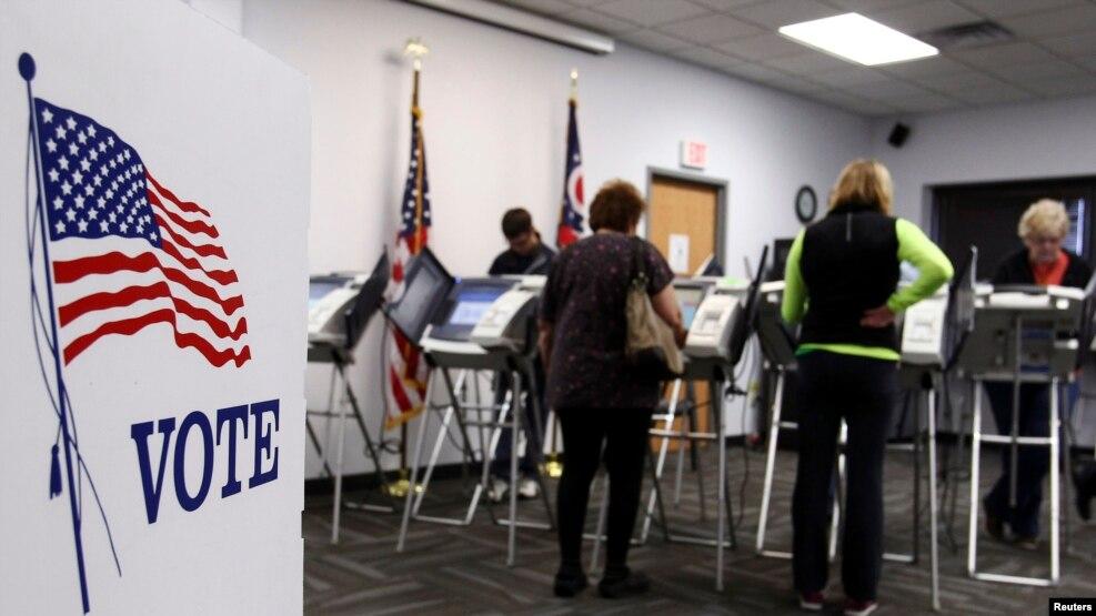 Cử tri Ohio bỏ phiếu sớm trong cuộc bầu cử tổng thống năm 2012 ở Medina, Ohio, ngày 26/10/2012. (Ảnh tư liệu)