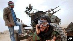 利比亞反政府軍不滿英國部隊滲透國內。
