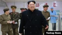 북한 김정은 국방위원회 제1위원장이 평양 약전기계공장을 현지 지도했다고 8일 조선중앙통신이 보도했다.