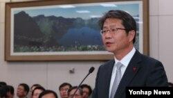 류길재 한국 통일부 장관이 10일 국회 외교통일위에서 발언하고 있다.