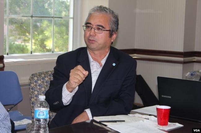 2015年9月19日,世界维吾尔大会副主席伊利夏提 (美国之音方冰拍摄)